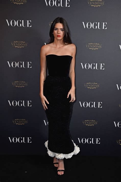 kendall jenner looks so good we want to kry over this week