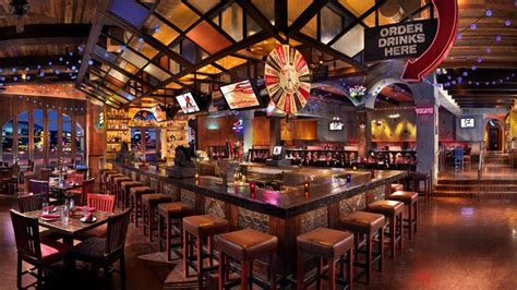 top 10 bars in vegas 10 restaurants in vegas with cool bar scenes las vegas blogs