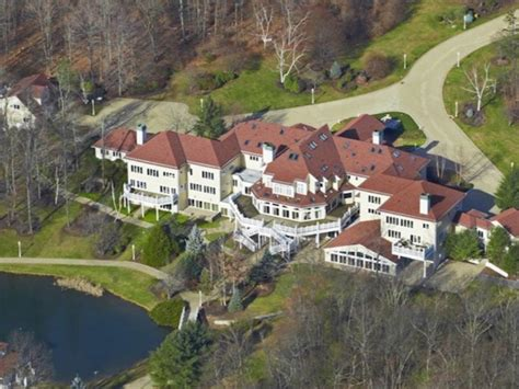 rappers houses curtis 50 cent jackson described his 24 bathroom house