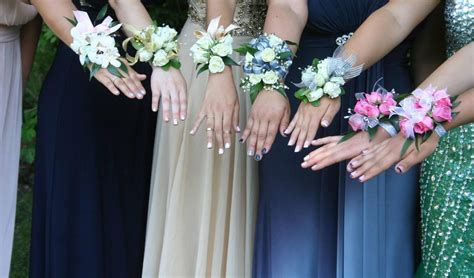 Prom Bouquets by How To Find The Homecoming Prom Flowers The