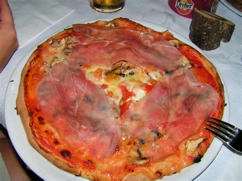best pizza in italy best pizza i ate finale di pollina sicily italy