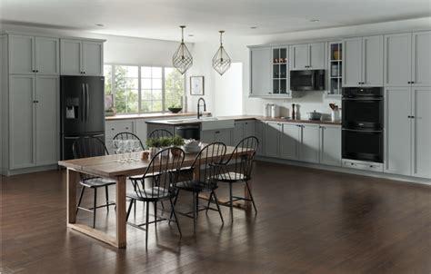 black stainless steel appliances    big trend