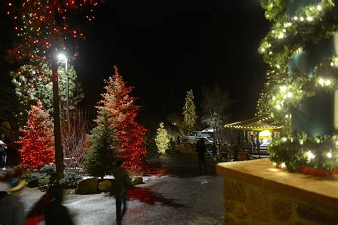 best places to see christmas lights around colorado springs