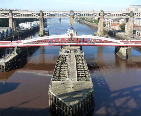 newcastle swing bridge swing bridge newcastle 169 stephen richards cc by sa 2 0