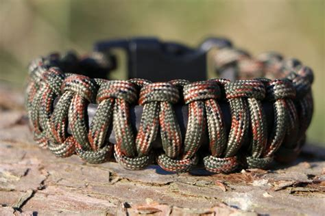 getting crafty with paracord bracelets polymath products
