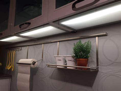 led beleuchtung küche h 228 ngeschrank leuchten bestseller shop f 252 r m 246 bel und