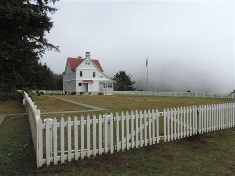 heceta head lighthouse bed and breakfast heceta head b b picture of heceta head lighthouse bed