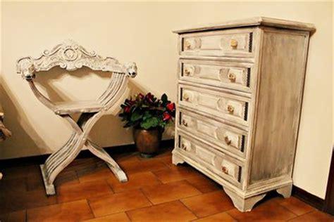 cassettiere decorate cassettiera decorata shabby chic per la casa e