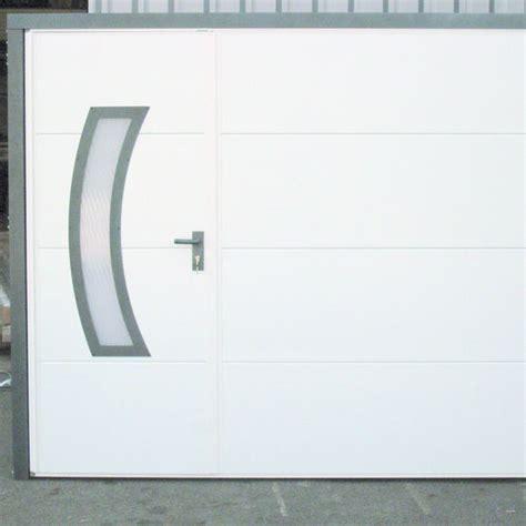 porte basculante isolante en acier pour garage spadone