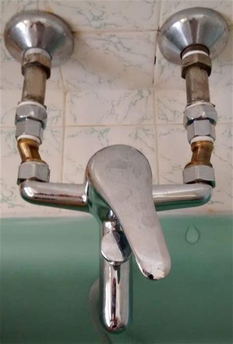 adaptateur robinet baignoire raccords minimaux entre plomberie et mitigeur bain