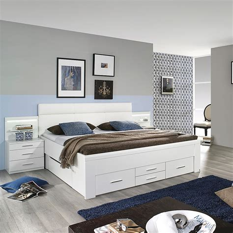 doppelbett weiß wandfarbe schlafzimmer feng shui