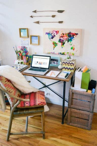 Small Table Ls For Bedroom by Best 25 Small Desk Bedroom Ideas On Small