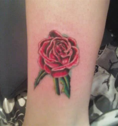 green rose tattoo best 25 sleeve tattoos ideas on