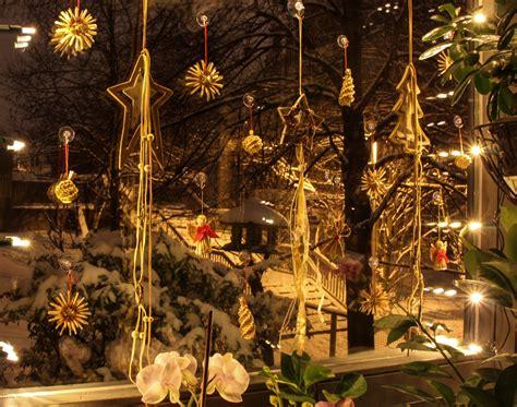 Met Hari Natal gambar musim dingin malam bunga jendela liburan