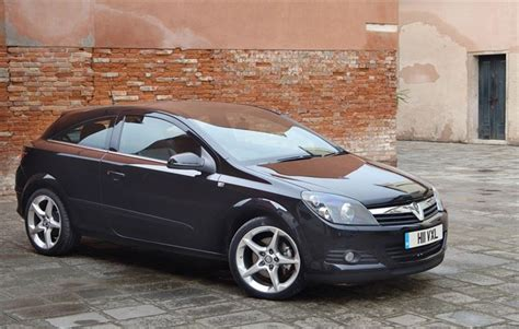 vauxhall astra 2005 vauxhall astra h sporthatch 2005 car review honest