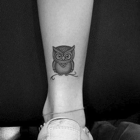 diseos gemeninos tatuajes en la pierna peque 241 o tatuaje de un b 250 ho en la pierna tatuajes en la