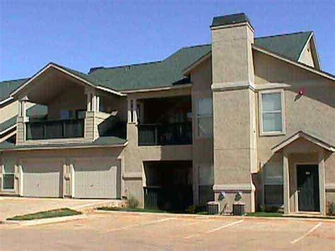 Apartments Hwy 121 Euless Tx Oakmont Of Creek Apartments 2121 Creek Parkway
