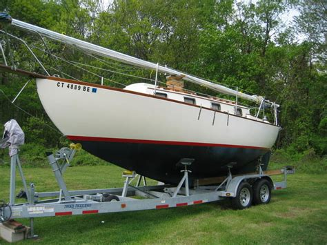 wooden boats for sale in connecticut 1979 voyager 26 sailboat for sale in connecticut