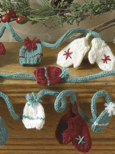 mini mitts hat garland