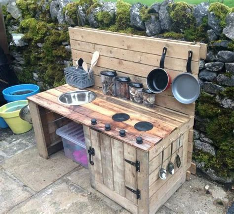 diy outside kitchen using wood or real cooker also