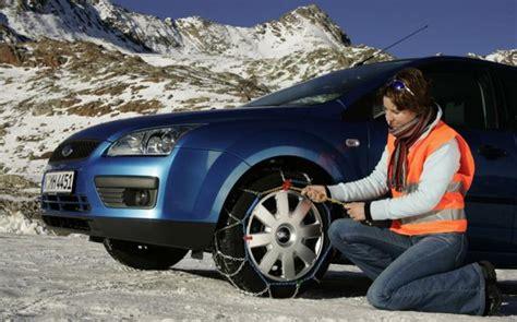 cadenas nieve dacia duster c 243 mo poner las cadenas de nieve en el coche autof 225 cil