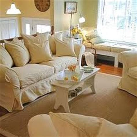 Bi Level Living Room Decorating Ideas by Bi Level Ideas On Split Foyer Small Living