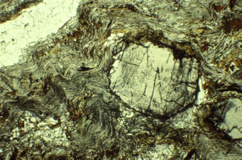 schist in thin section garnet schist thin section photo pablo y 225 241 ez photos at