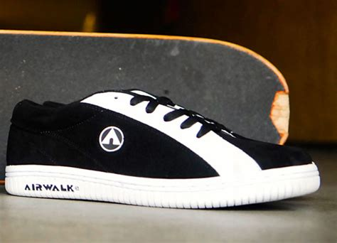 Air Walk Original airwalk one snkrbx