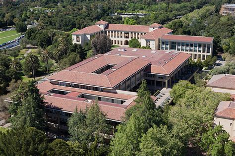Stanford Mba Accreditation by Top 10 U S Business School Ranking For 2013 Articles
