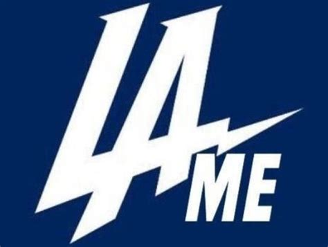 chargers logo roasts chargers uninspiring new logo thescore