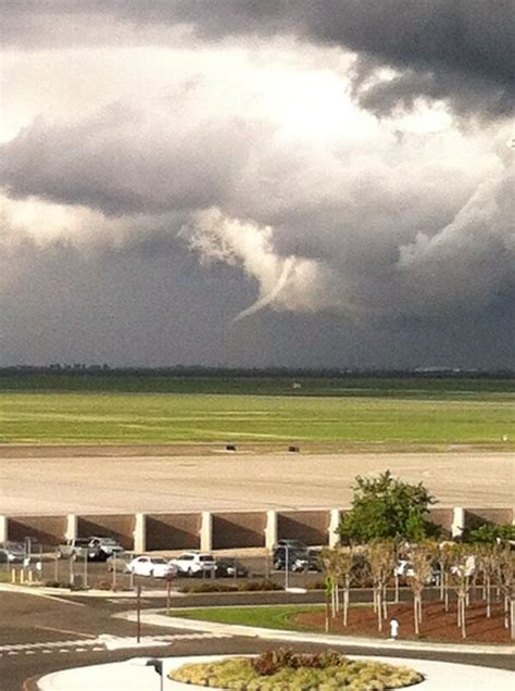 lincoln weather ca funnel cloud shape shifting near sacramento airport
