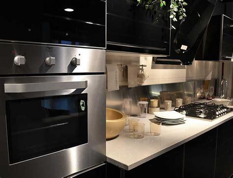 cucine nere moderne cucine moderne bianche e nere cucine design moderne with
