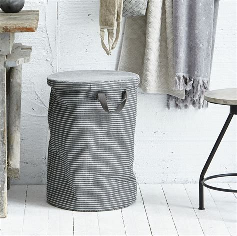 laundry with lid 1000 ideas about laundry basket with lid on