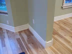 trim baseboard laminate flooring baseboard trim laminate flooring