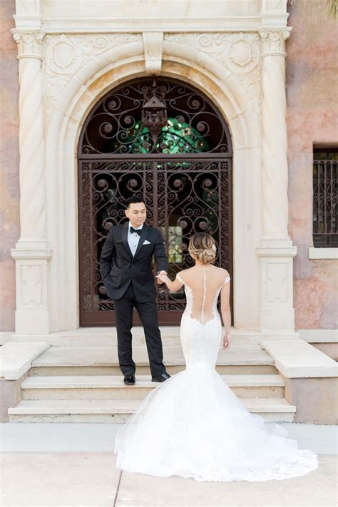 First Look Bridal Shoot at the Howey Mansion   Orlando