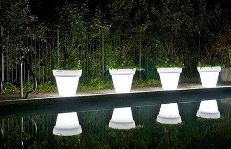 luminous led pots will make you see planters in a new