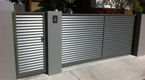 Picket Fences by Sliding Gates Sfg Sydney Fencing And Gates