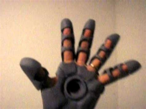 How To Make Iron Gloves Out Of Paper - iron gloves