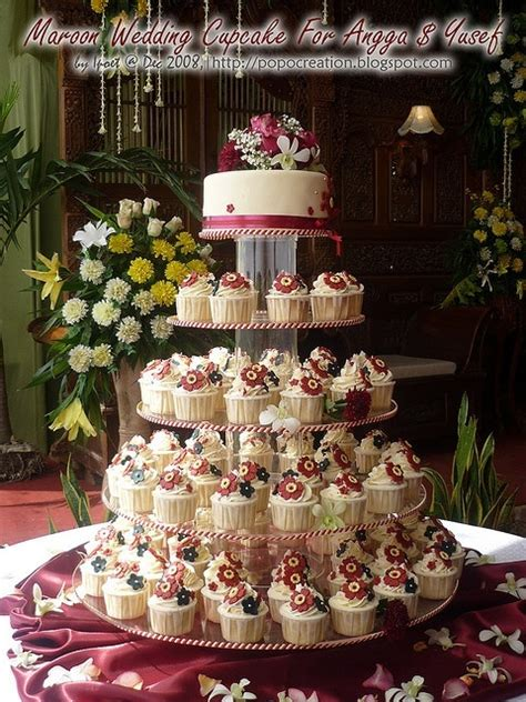 Burgundy Table Ls by Maroon Wedding Cake With Cupcakes Henry Wedding