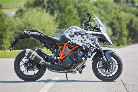 Ktm 1290 Duke 2016 Ktm 1290 Duke Gt Look Motorcycle News