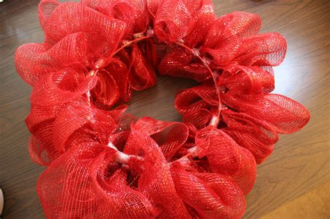 how to make wreaths how to make a mesh ribbon wreath chica and jo