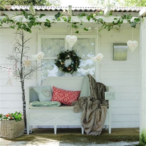 create a festive outdoor space country christmas