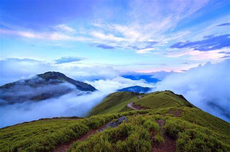 taiwanese mountain mountain taiwan nantou clouds wallpaper 2048x1365 453436 wallpaperup
