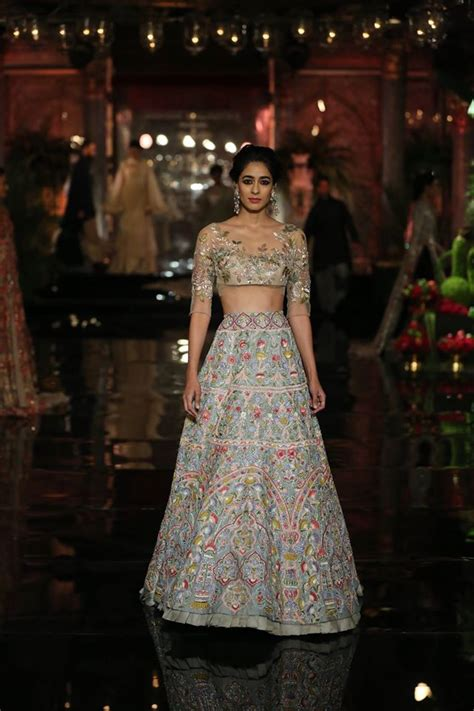 top design latest lehenga choli designs top indian lehenga trends 2017