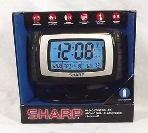 sharper image radio controlled atomic alarm clock et255 on popscreen