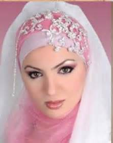 model jilbab december 2011 novia hyat khan