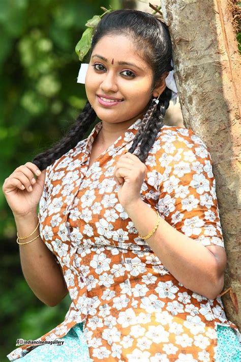 chakravakam serial heroine photos meghna vincent chandanamazha serial actress photos