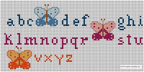 ricamo punto croce lettere schema di ricamo farfalle alfabeto a punto croce