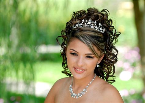 Hairstyles For Quinceaneras by Quinceanera Hairstyles For Damas