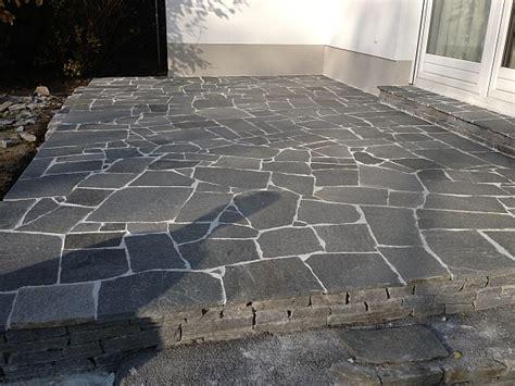 Terrassenplatten Günstig Kaufen by Terrassenplatten Aus Hartgneis Bodenplatten